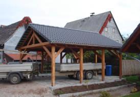 Doppelcarport mit Satteldach und Betonsteindeckung