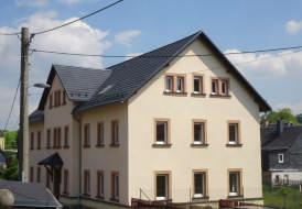 Dacheindeckung mit Metalldachplatten DECRA