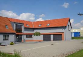 Gebäudeerweiterung mit Betondachsteinen Eternit Heidelberger