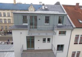 Komplettsanierung mit Zimmerer-, Klempner-, Dachdeckerleistung und Fassadenverkleidung