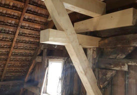 Zimmermannsmäßige Sanierung und Ertüchtigung für einen Dachgeschoßausbau