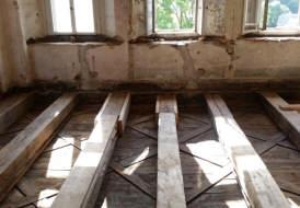 Zimmermannsmäßige Sanierung einer historischen Holzbalkendecke